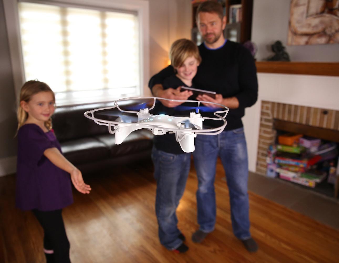 © Источник: DroneFlyers. Дрон станет отличным подарком для совместной деятельности