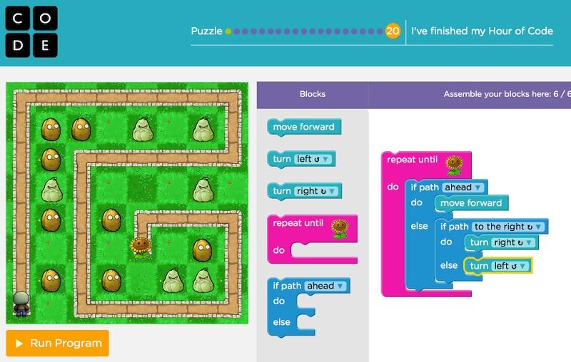 © Скриншот из игры. Используя простые команды, ребенок учится ориентироваться в пространстве, использовать циклы и находить выход из лабиринта